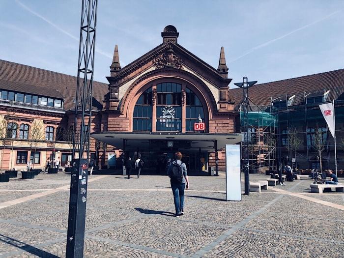 Hauptbahnhof / Station