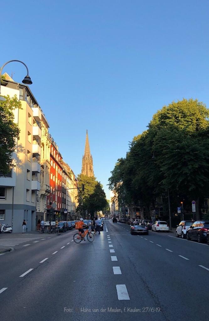 Roonstraße: Herz Jesu-Kirche