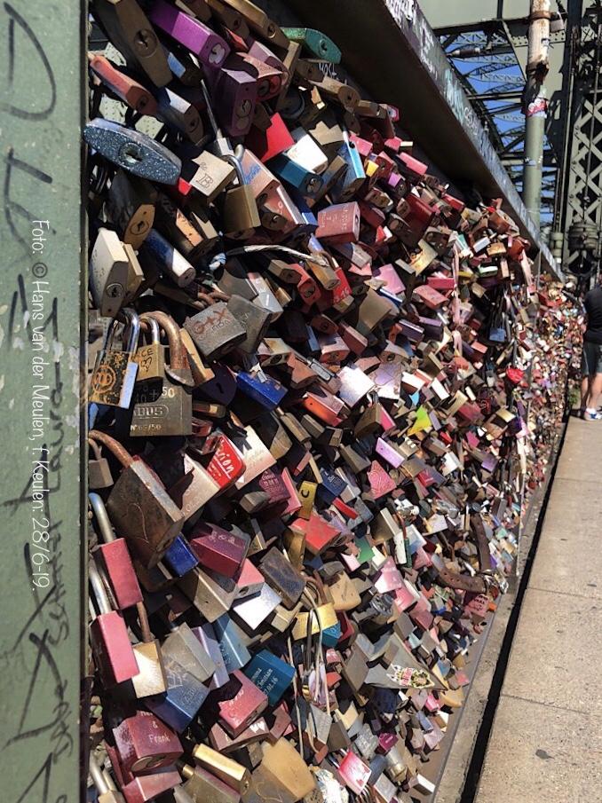 Hohenzollernbrücke: Liefdesslotjes