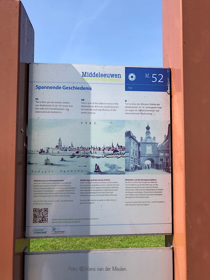 Informatiezuil in Tiel (Gelderland)